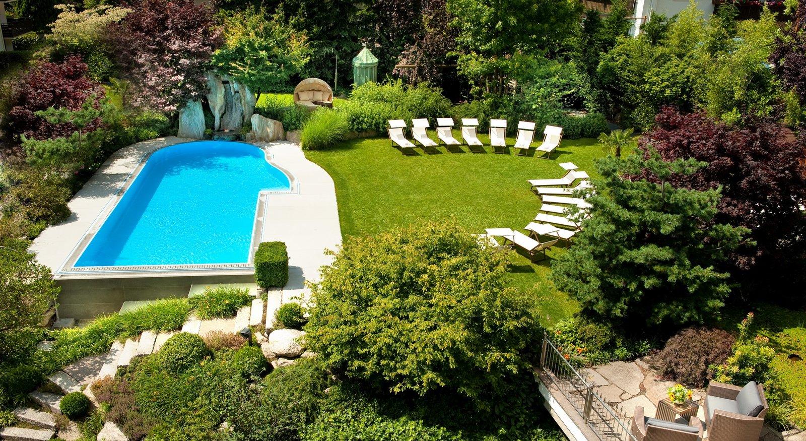 Hotel con piscina in val venosta hotel anderlahn parcines for Piscina in giardino
